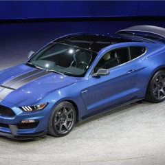 Ford Unveils Ford Mustang GT350R in 2015 Detroit Motor Show