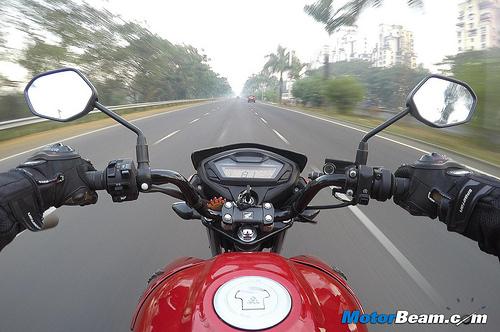 Honda Unicron 160 review 6