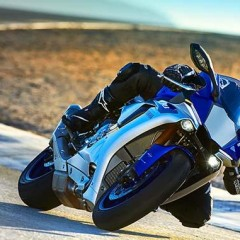 Yamaha R1, Yamaha R1M 1000cc Bikes launched in India