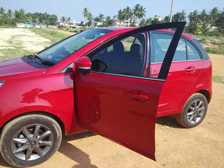 Tata-Bolt-Doors