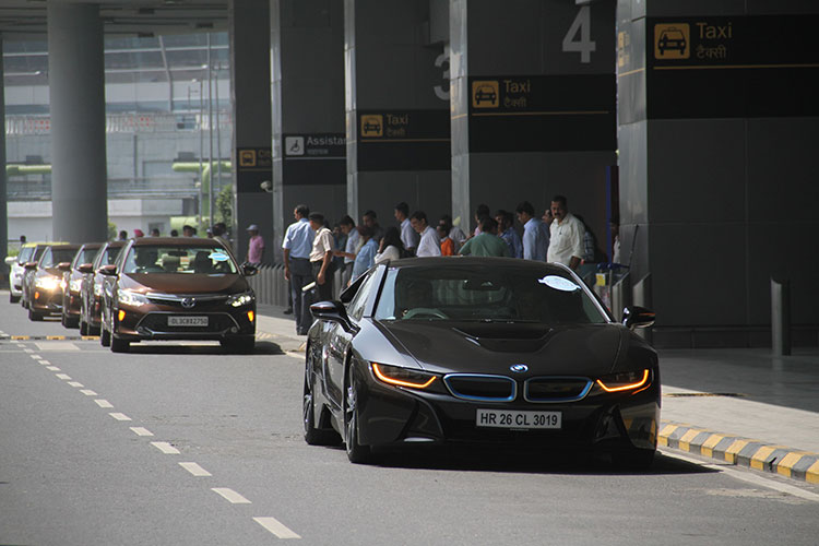 BMW-i8-with-other-hybrid-and-electric-vehicles-at--IGI-Airport-Delhi-