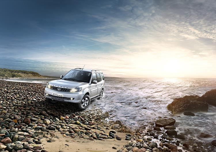 New-Tata-Safari-Storme_Front-3-4th-Seashore-Shot_Final_V4-lw