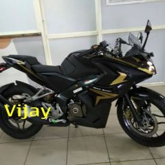 Bajaj Pulsar RS200 Black and Gold Spotted