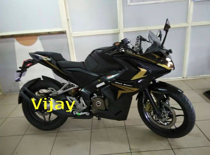 Bajaj Pulsar Rs200 Black And Gold Spotted Gaadikey