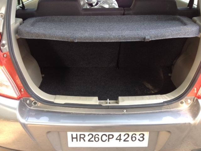 Rear luggage parcel shelf view