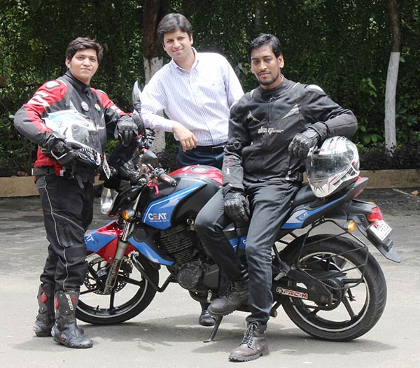 Anant-Goenka,-MD,-CEAT-with-the-riders