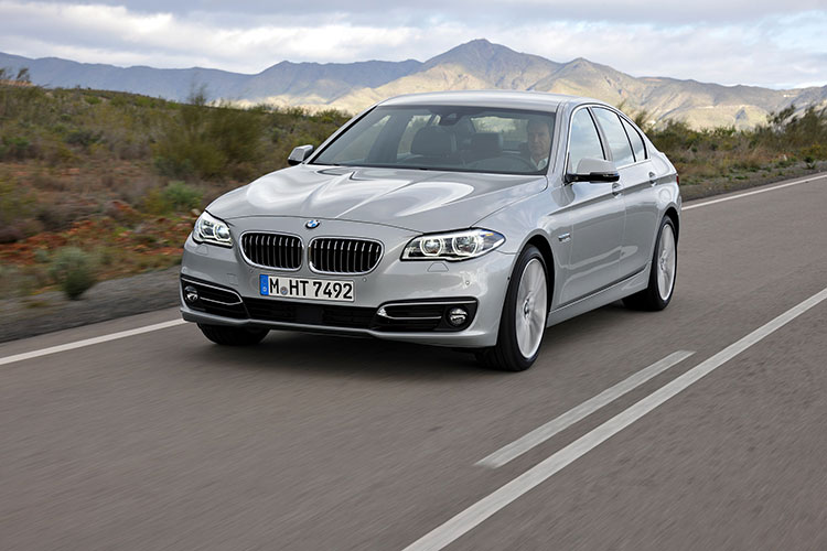BMW 5 Series Photo 2