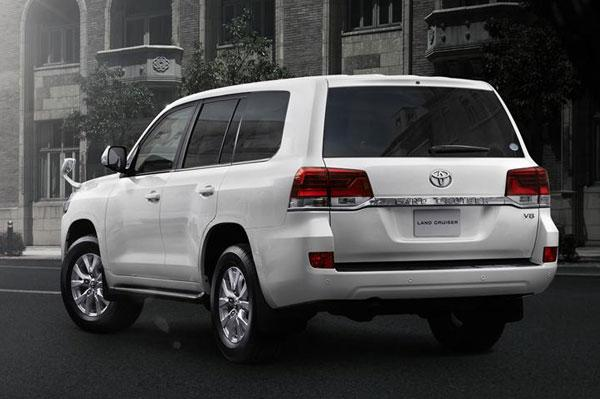 Toyota Land Cruiser 200 Facelift 2