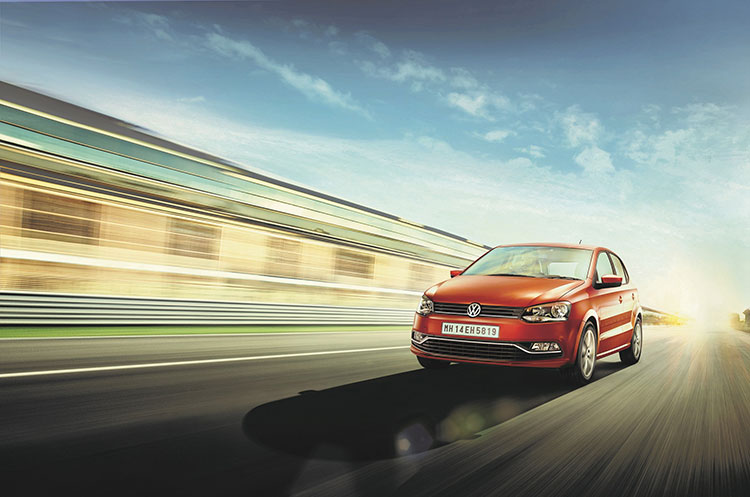 New Volkswagen Polo 2015 Gets Additional Features Gaadikey
