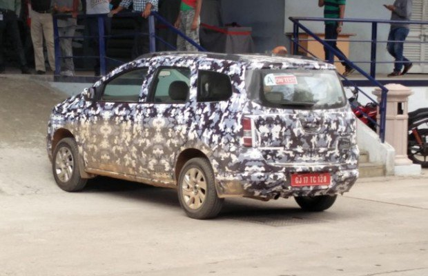 Chevrolet Spin in India Spotted