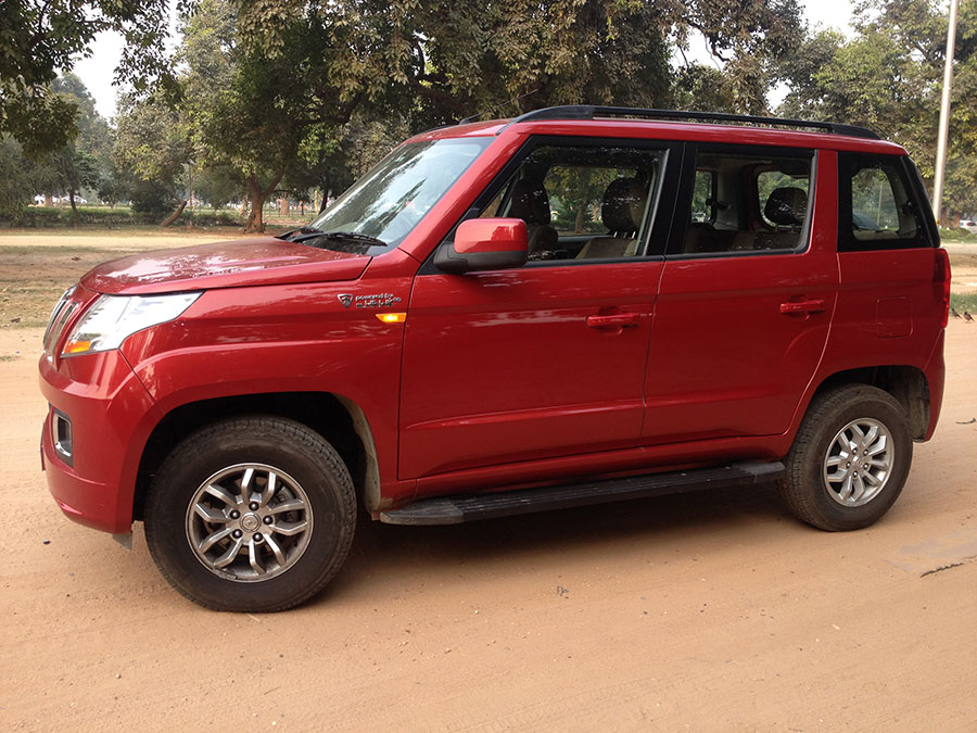 Mahindra TUV300 Side