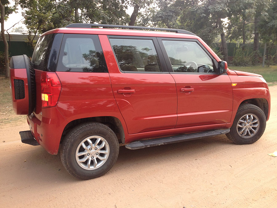 Mahindra TUV300 Side View