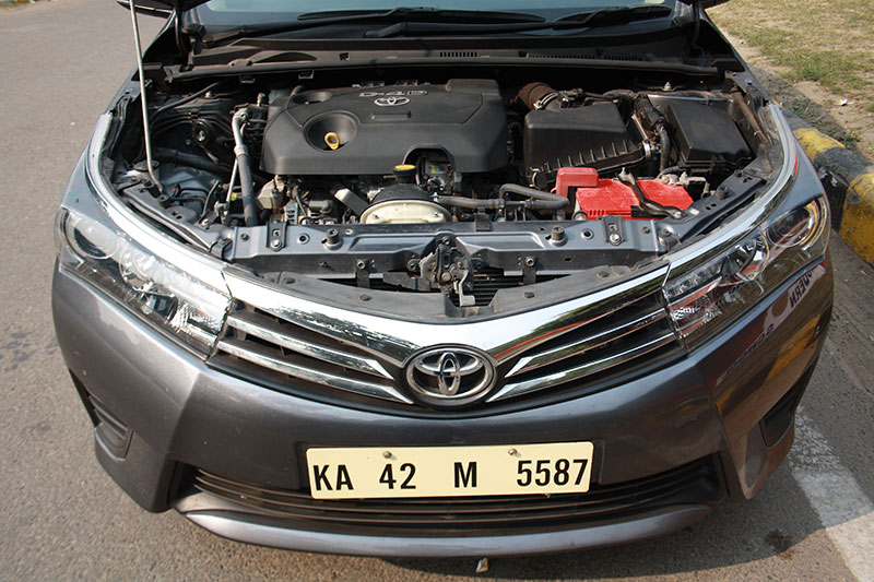 toyota corolla altis diesel review gaadikey. Black Bedroom Furniture Sets. Home Design Ideas
