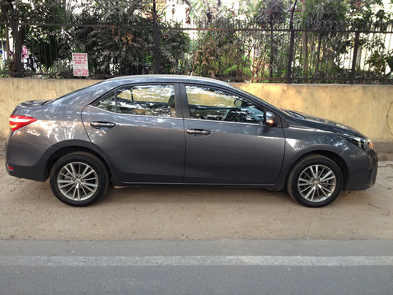 Toyota-Corolla-Altis-Side-Profile
