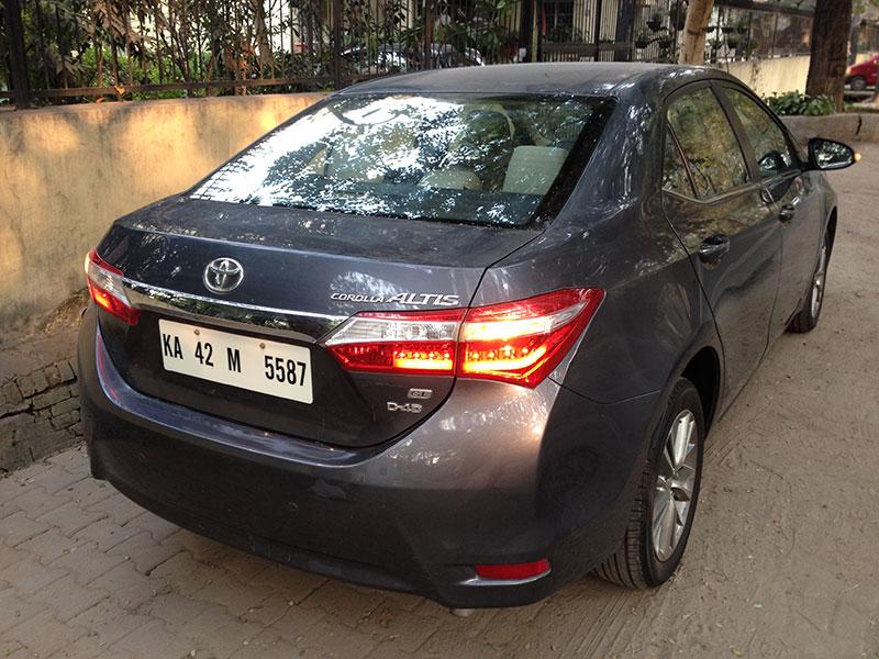 Toyota-Corolla-Altis-rear-angle