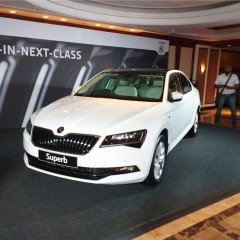 2016 Skoda Superb launched in India at INR 22.68 Lakhs