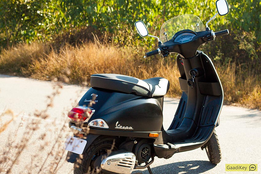 vespa sxl 150 review: top notch and effortless - gaadikey