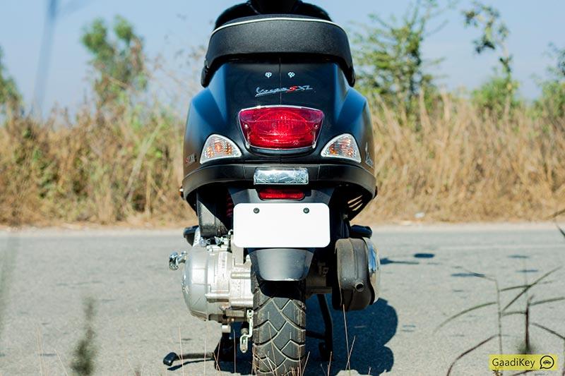 Vespa-SXL-Rear-4