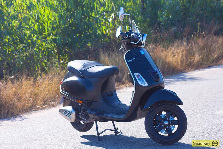 Vespa-SXL-on-road