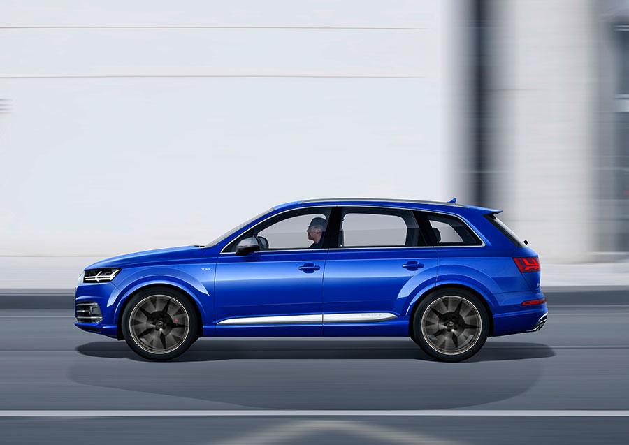 Audi SQ7 Blue