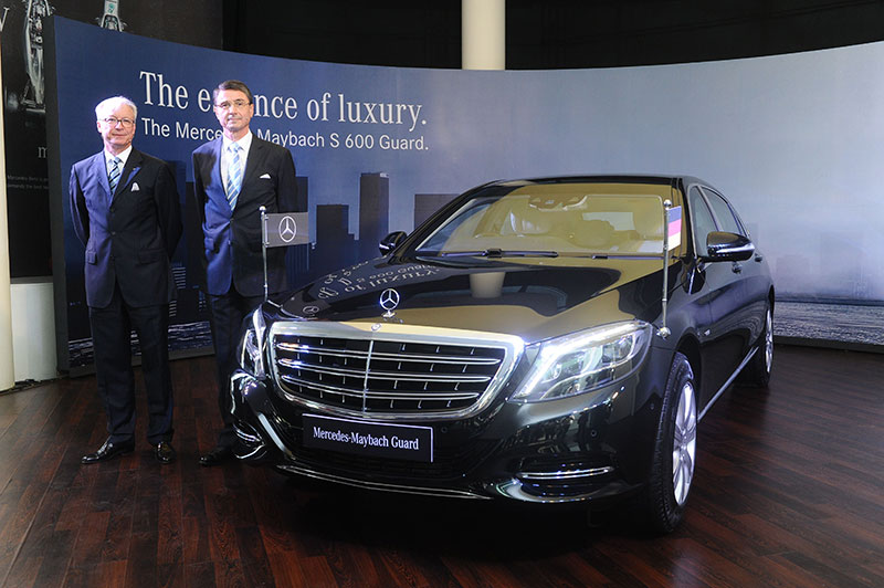 Mr.-Roland-Folger,-Managing-Director-&-CEO,-Mercedes-Benz-India,-Dr.-Martin-Ney,-German-Ambassador-to-India-at-the-launch-of-Mercedes-Maybach-S600-Guard