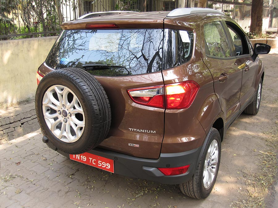 New-Ford-EcoSport-Rear-Side-Angle