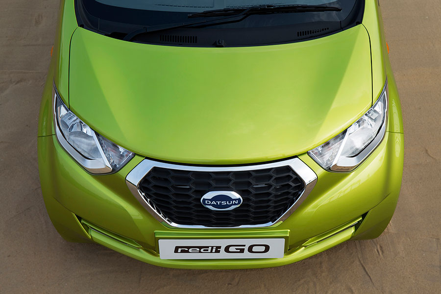 Datsun RediGO from top view photo