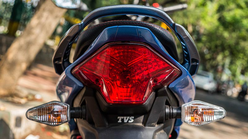 New-TVS-Victor-Taillamp-with-Indicators
