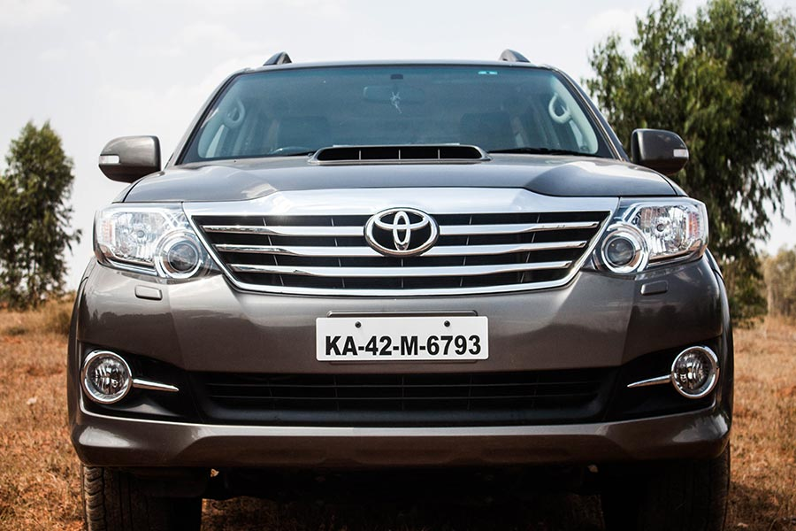 Toyota Fortuner Full Front View
