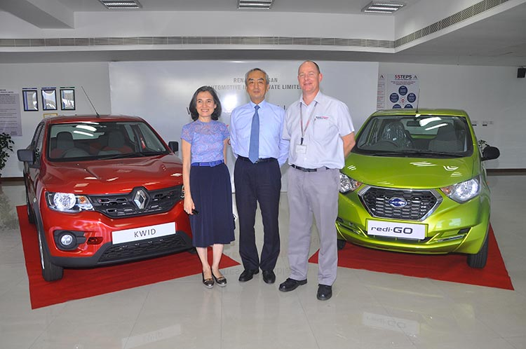 2-Mr.-&-Mrs.-Hiramatsu-with-Mr.-Colin-MacDonald,-MD-&-CEO,-Renault-Nissan-Automotive-India-Private-Limited