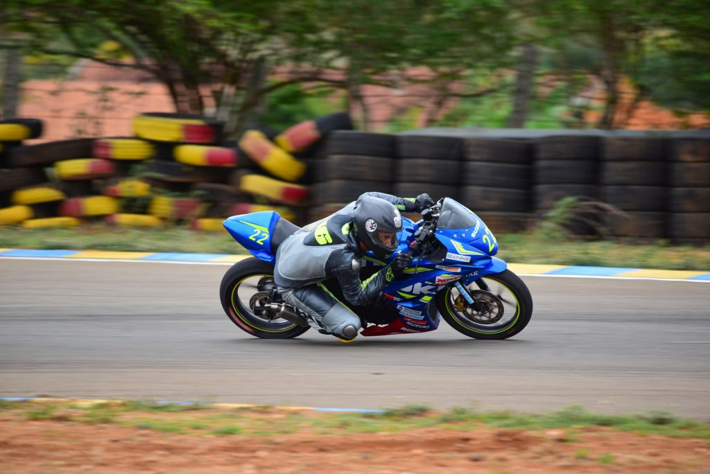 Gixxer Cup 2016 contestant in action