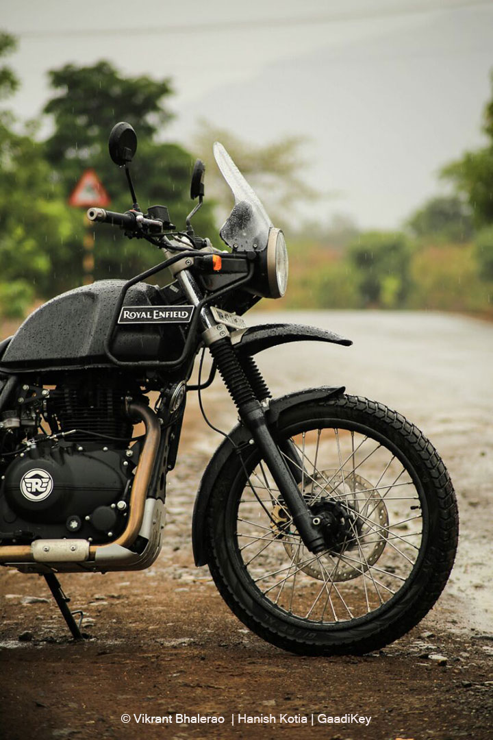 royal enfield himalayan review king of adventure touring bikes in india gaadikey. Black Bedroom Furniture Sets. Home Design Ideas