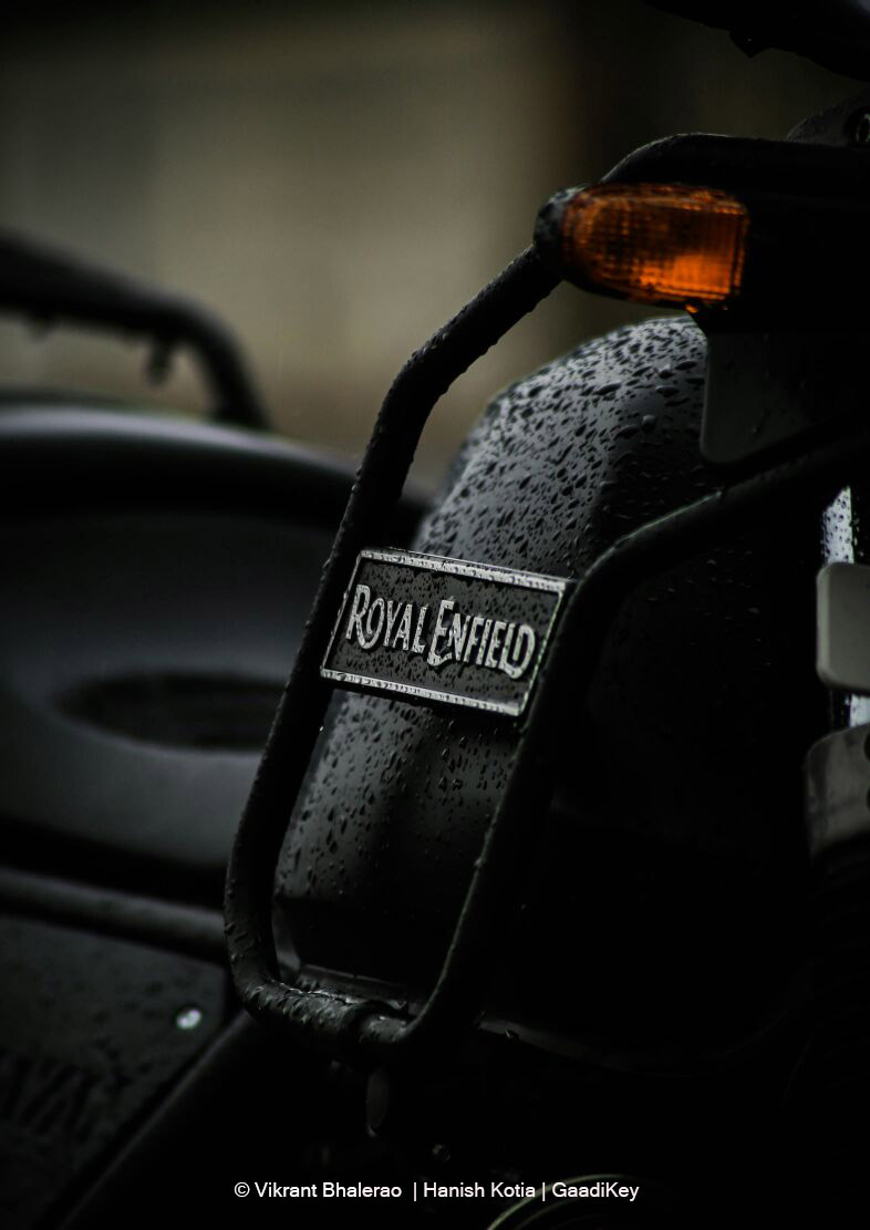 Royal-Enfield-Himalayan-Logo-Focus-Photo-1