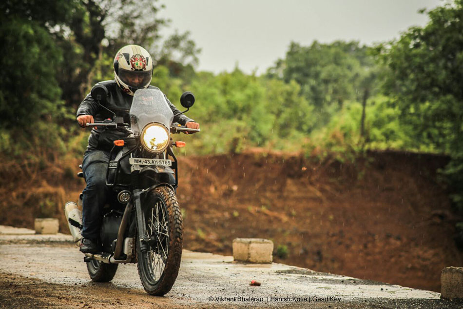 RE Himalayan Riding Pictures