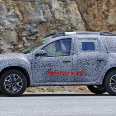 Renault Grand Duster 7-seater SUV Spotted