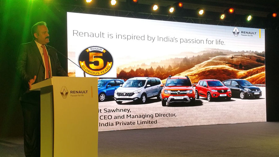 Renault-India-CEO-during-Kwid-1.0-launch-event