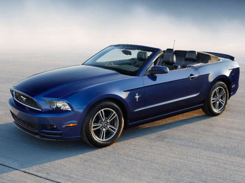2014-ford-mustang-convertible-coty