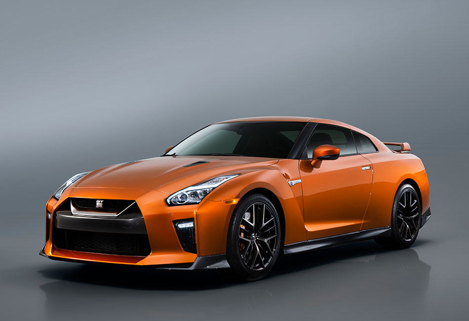 2017 Nissan GT-R Photos (Exterior)