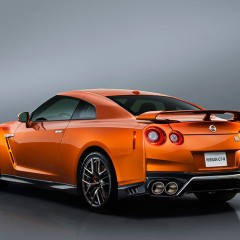Nissan opens pre-booking for 2017 Nissan GT-R in India