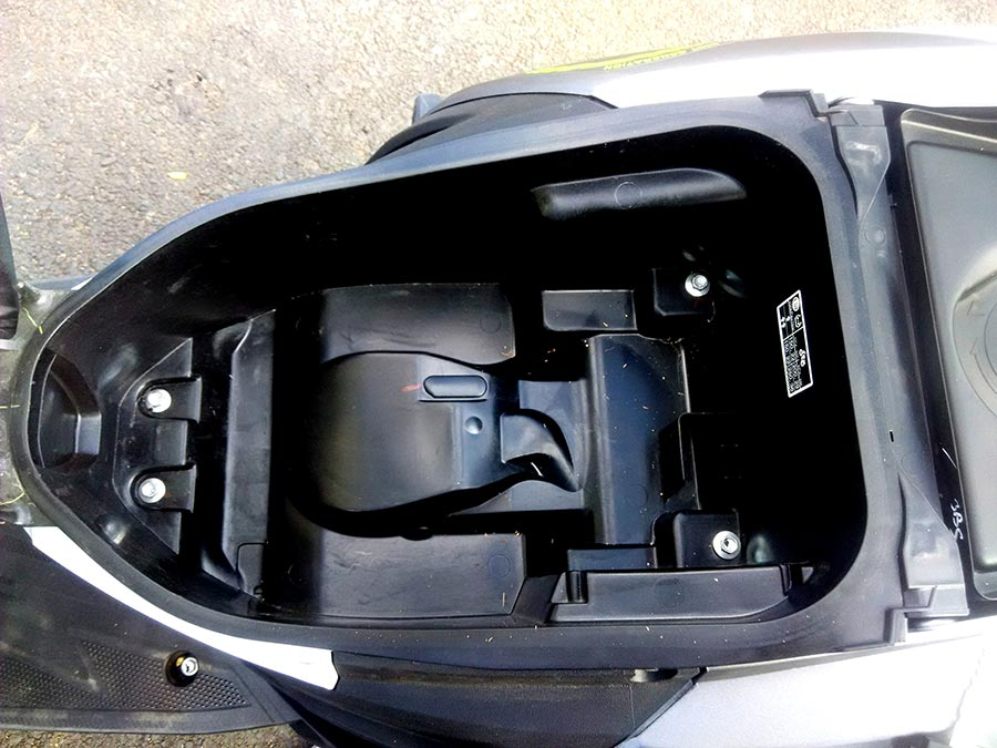 Yamaha RayZR Storage and Fuel Tank Capacity