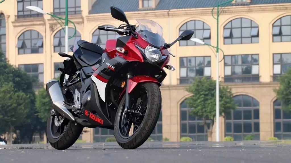 suzuki-gixxer-250-gsx-250r