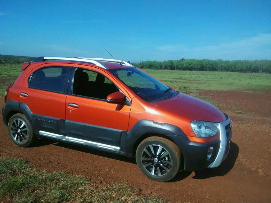 Toyota Etios Cross Featured Photo