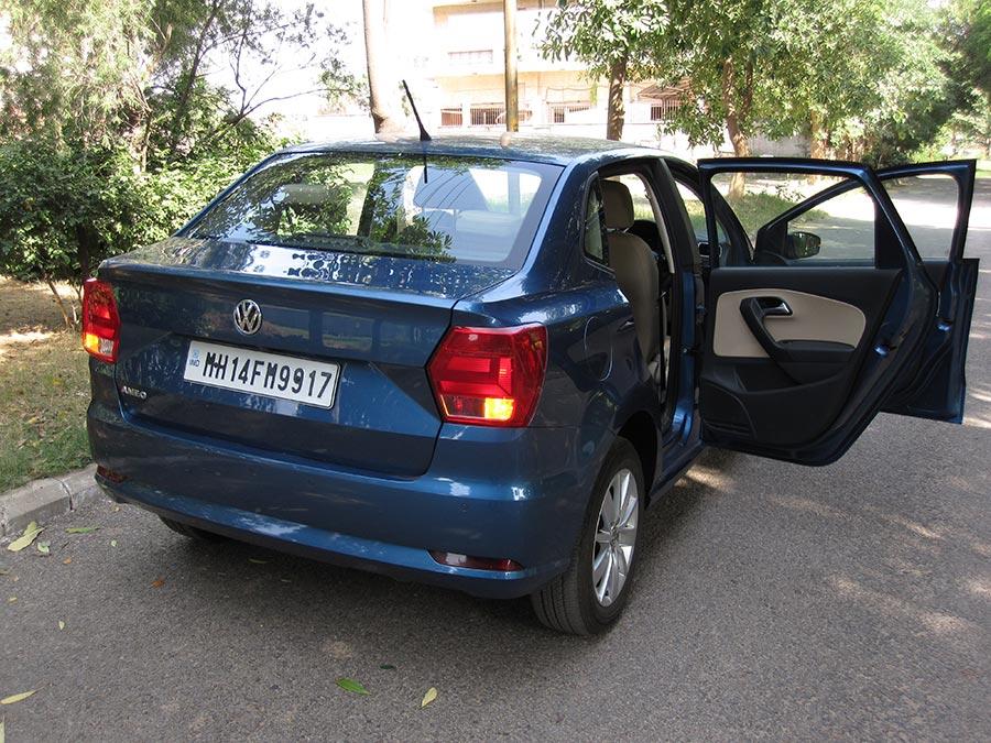 volkswagen-ameo-doors-open