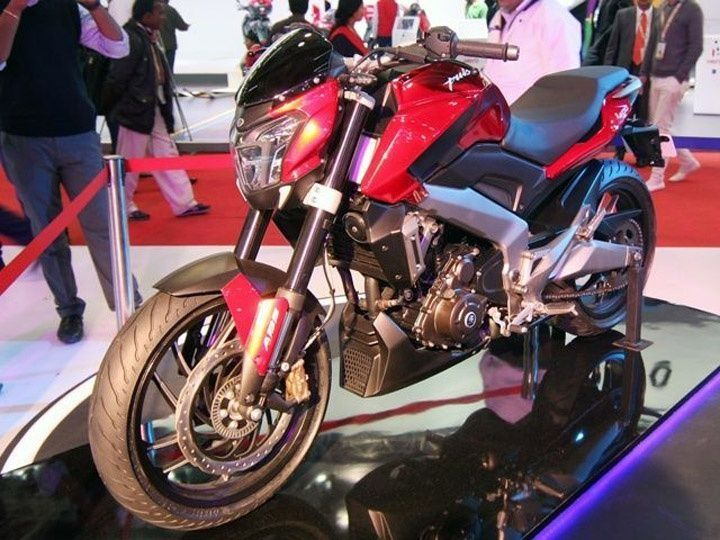 bajaj-cs-400-power-cruiser-pic-slideshow-2014-auto-expo-722014-m1_720x540_720x540
