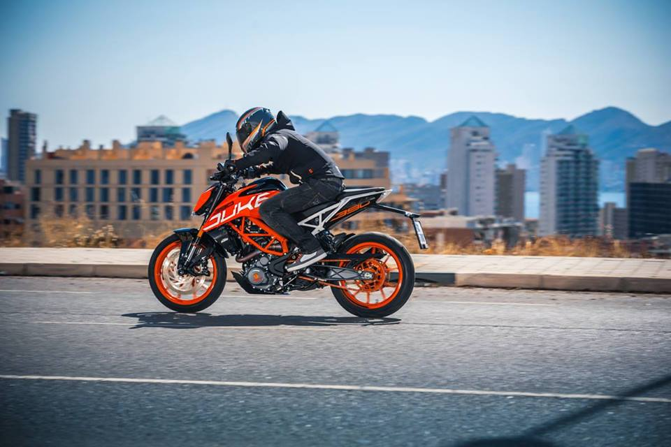 ktm-duke-390-old-vs-new
