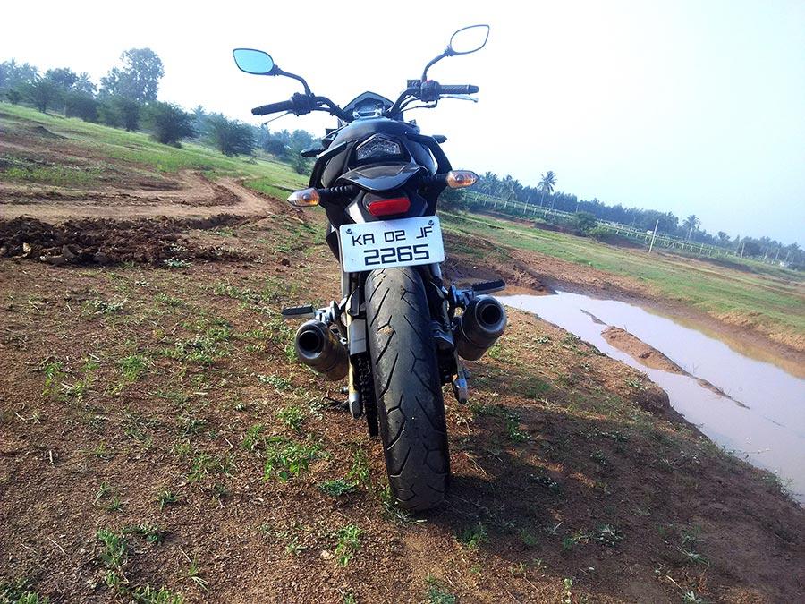 Mahindra-mojo-review