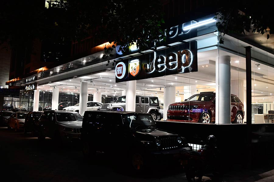 jeep-showroom