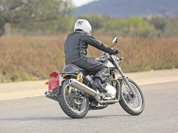 royal-enfield-twin-cylinder-bike-spied