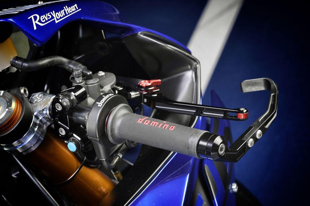 yamaha-r6-photos-accelerator