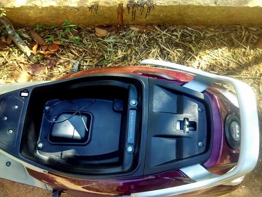 tvs-jupiter-under-seat-storage-space